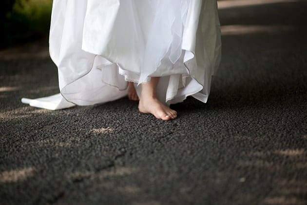 A barefooted bride