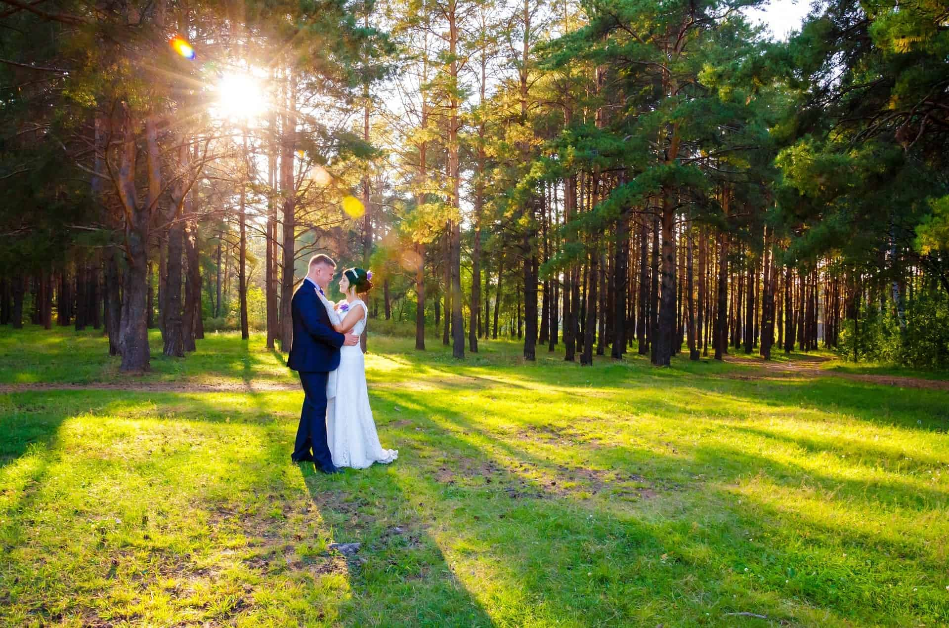 Advice on Getting Married Outdoors | Leez Priory